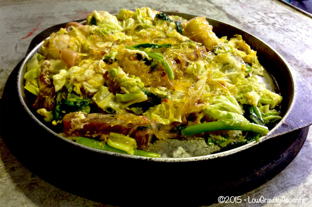 Stir-fried vegetables with glass noodles and eggs